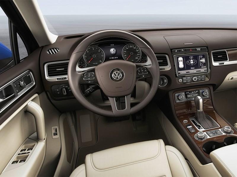 Volkswagen Touareg 2014 водительское место