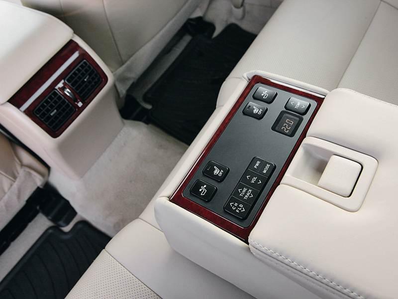 Toyota Camry 2012 пульт заднего центрального подлокотника