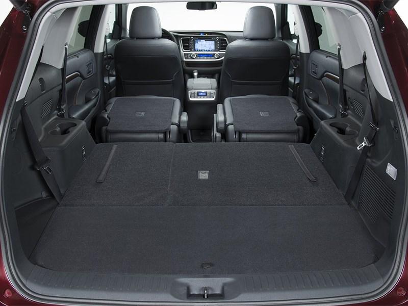 Toyota Highlander 2013 багажное отделение фото 2