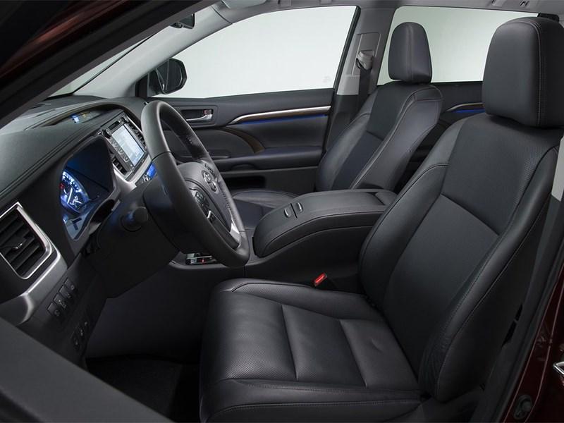 Toyota Highlander 2013 передние кресла