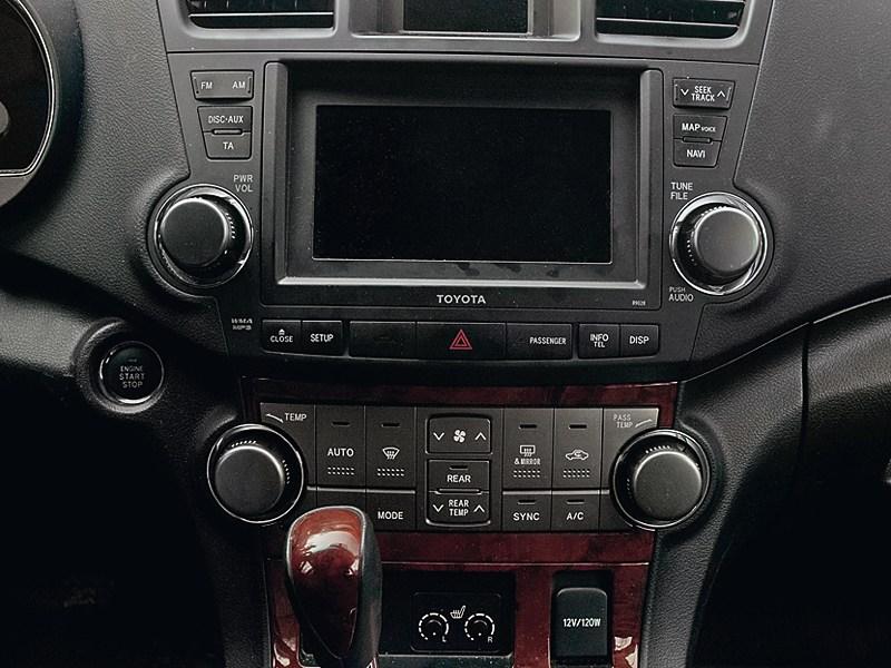 Toyota Highlander 2011 панель управления