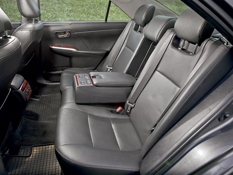 Toyota Camry 2013 задний диван