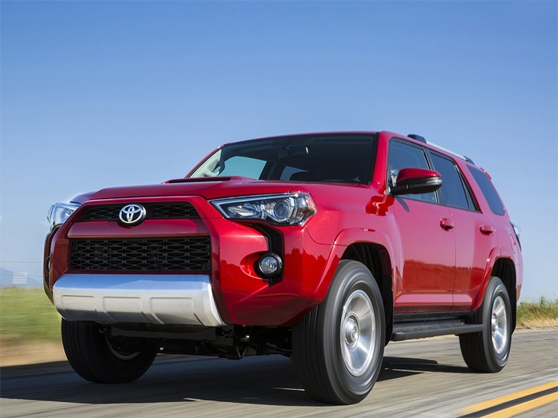 Toyota 4Runner 2013 вид спереди