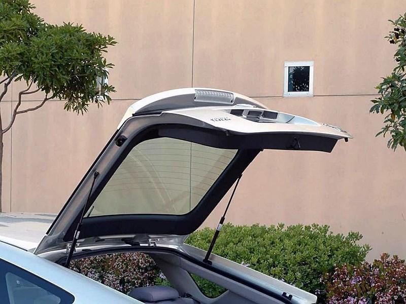 Toyota Prius 2006 второе поколение автомобиля крышка багажника