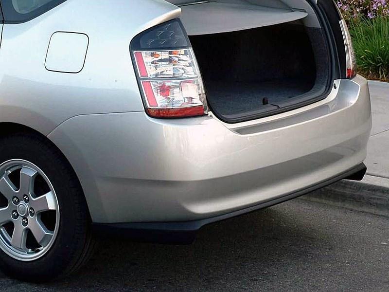 Toyota Prius 2006 второе поколение автомобиля багажник