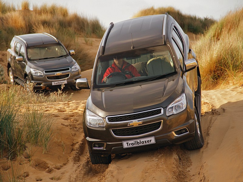 Chevrolet Trailblazer 2012 вид спереди