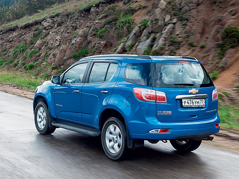 Chevrolet Trailblazer 2012 вид сзади