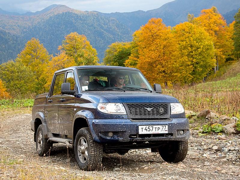 UAZ Pickup 2013 вид спереди