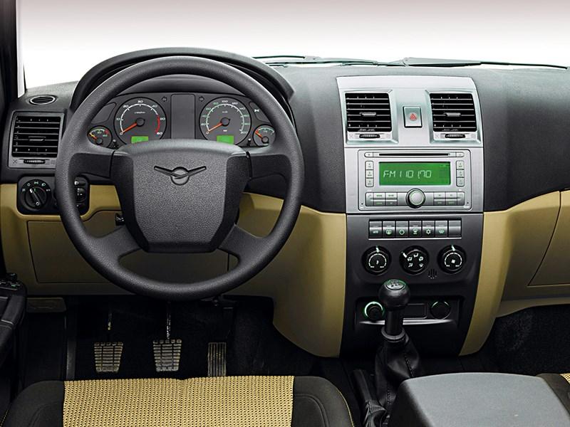 UAZ Pickup 2013 водительское место