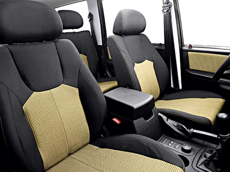 UAZ Pickup 2013 передние кресла