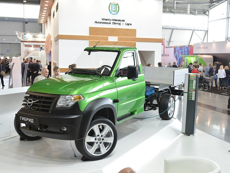 УАЗ показал концепт гибридного автомобиля