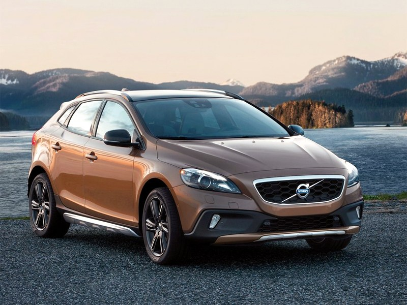 Новый Volvo V40 Cross Country - Volvo V40 Cross Country 2013 вид спереди