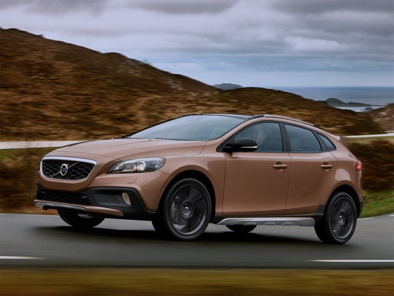 Volvo V40 Cross Country 2013 вид сбоку