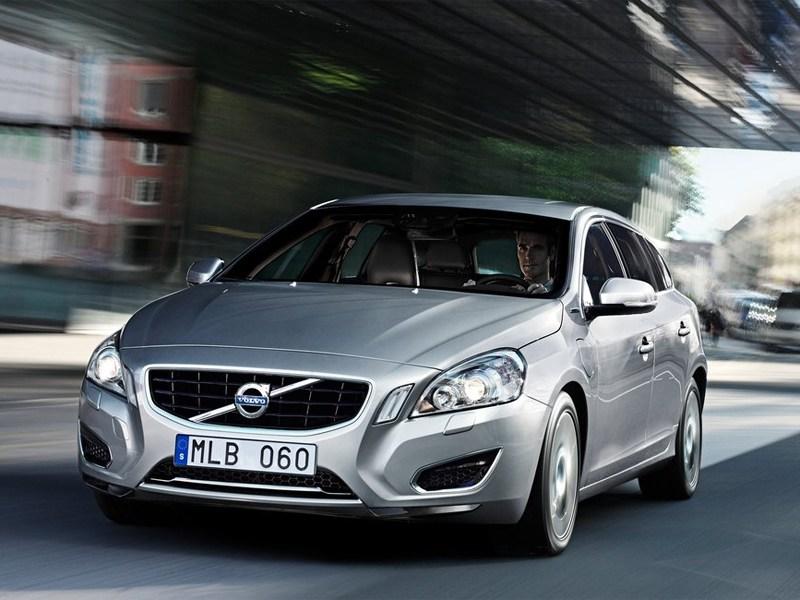 Volvo V60 с гибридной силовой установкой вскоре появится в России