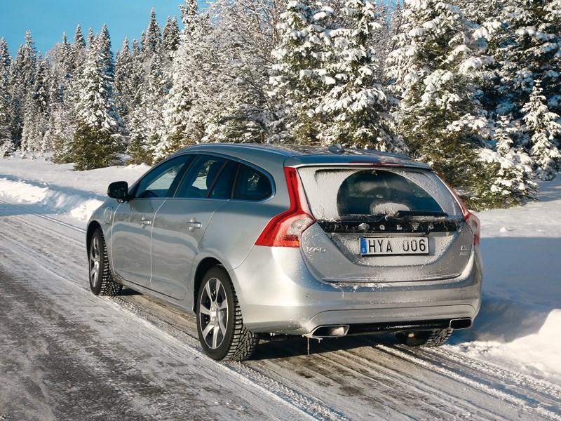 Volvo V60 Plug-in Hybrid 2013 вид сзади