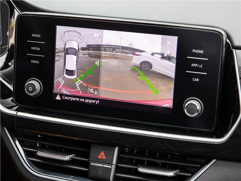 Volkswagen Polo Sedan (2020) монитор