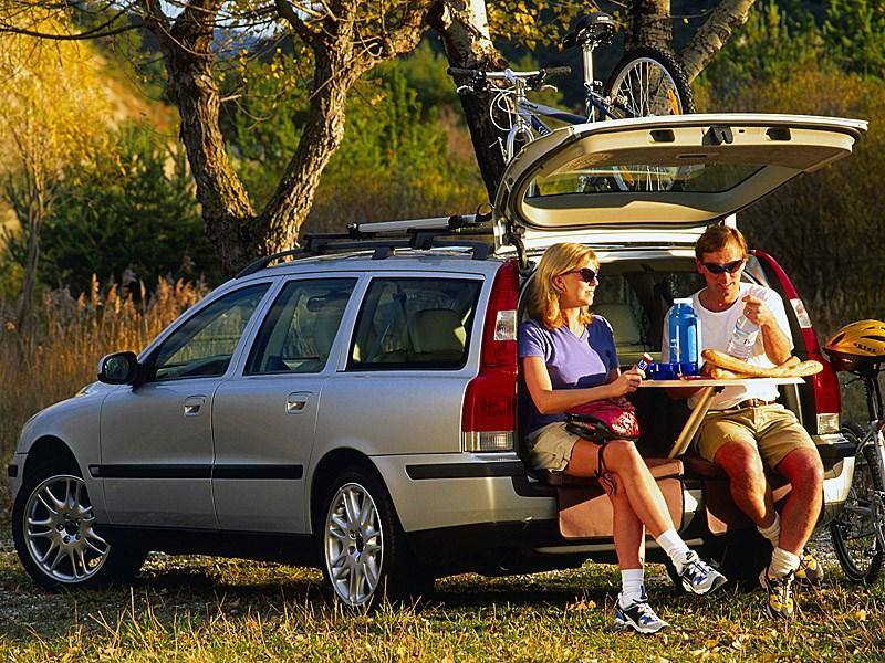 Volvo V70 2001 предлагал множество опций для путешественников