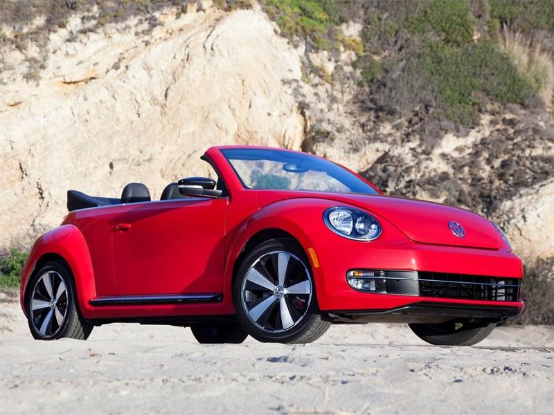 Новый Volkswagen Beetle - Volkswagen Beetle Convertible 2013 вид спереди