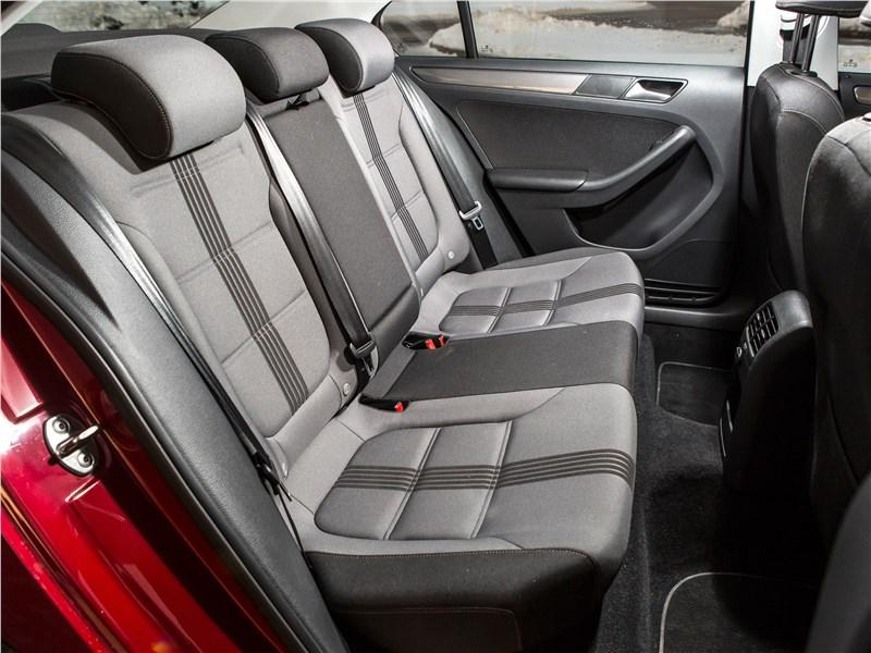 Volkswagen Jetta 2015 задний диван