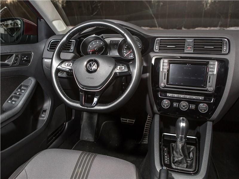 Volkswagen Jetta 2015 салон