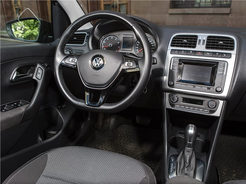 Volkswagen Polo Sedan 2016 салон