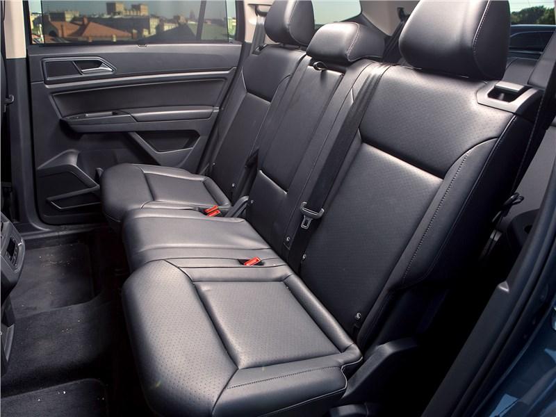 Volkswagen Teramont 2018 диван второго ряда