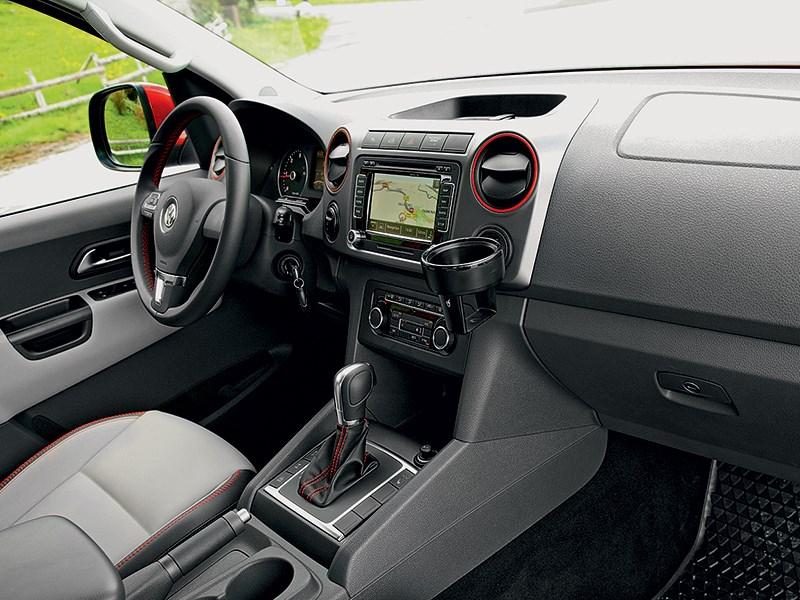 Volkswagen Amarok Canyon 2010 водительское место