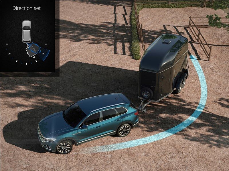 Volkswagen Touareg 2019 полуавтоматическая система парковки