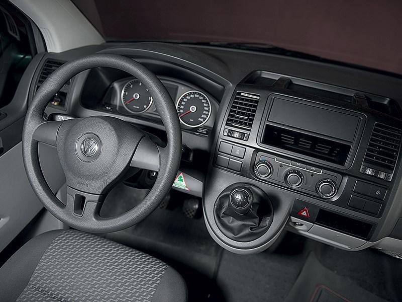 Volkswagen Transporter T5 2009 водительское место
