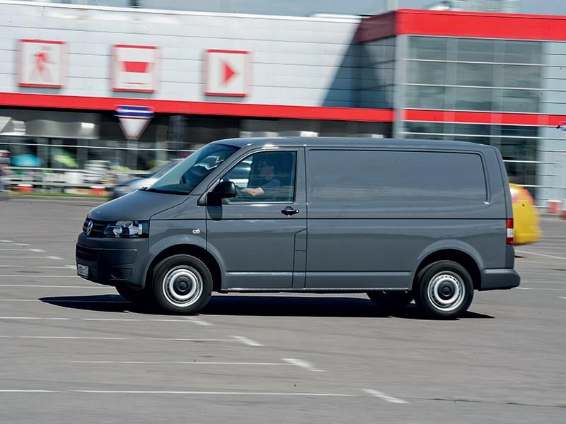 Volkswagen Transporter T5 2009 вид сбоку