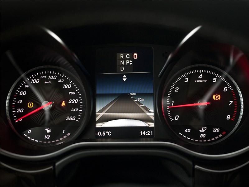 Mercedes-Benz V-Klasse 2014 приборная панель