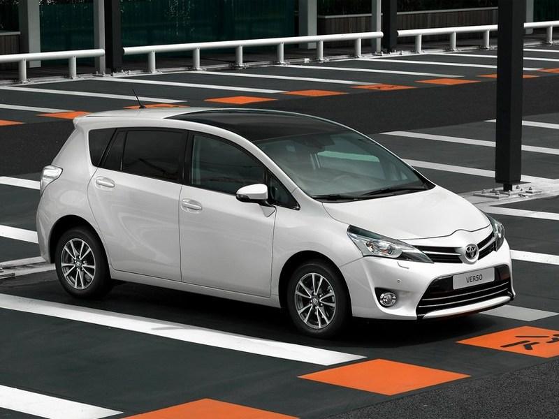 Новый Toyota Verso - Toyota Verso 2013 вид спереди