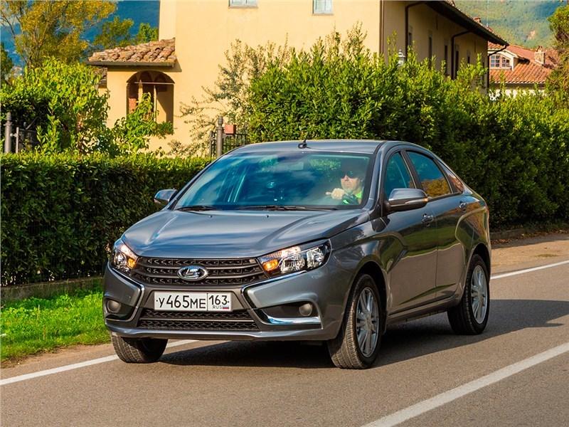 В марте объем продаж Lada Vesta вырос до 4,6 тысяч экземпляров