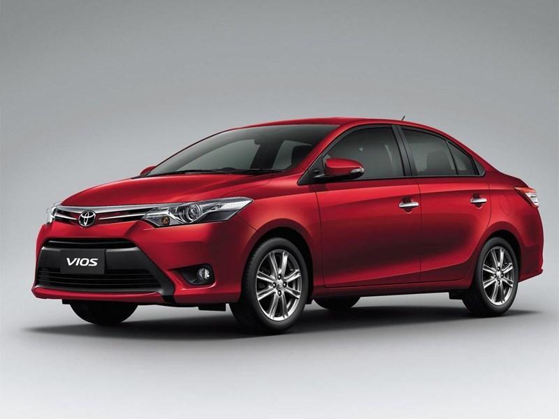 Toyota Vios 2013 вид спереди