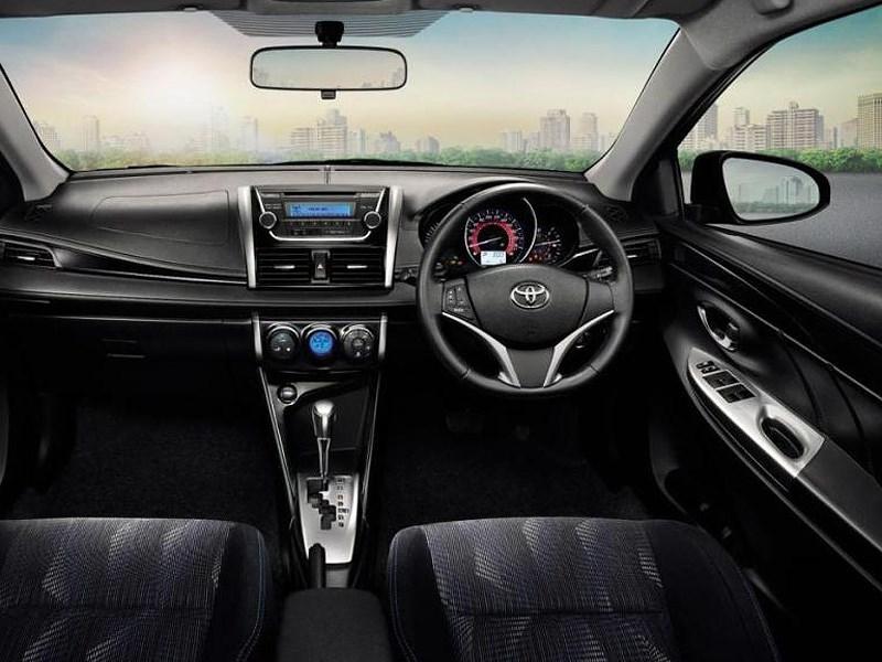 Toyota Vios 2013 водительское место