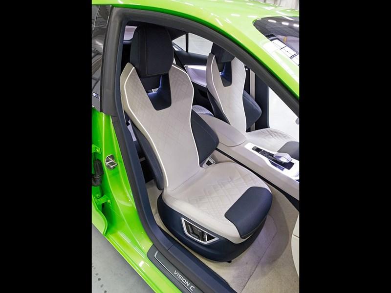 Skoda Vision C Concept 2014 передние кресла