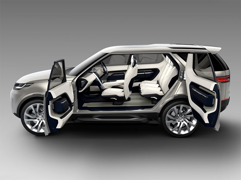 Land Rover Discovery Vision 2014 вид сбоку с открытыми дверями