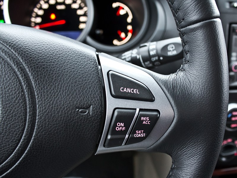Suzuki Grand Vitara 2012 кнопки управления на руле