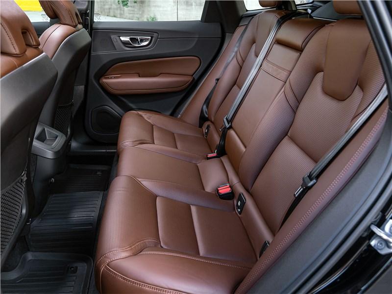 Volvo XC60 2018 задний диван