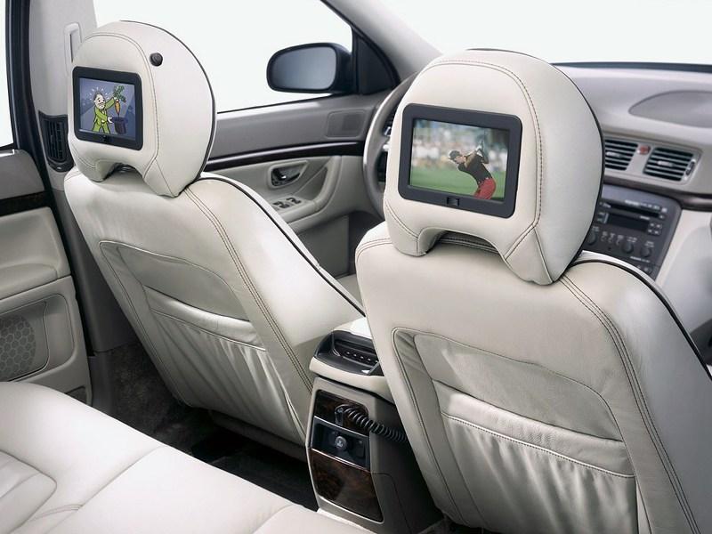 Volvo S80 2000 DVD-мониторы в подголовниках передних сидений