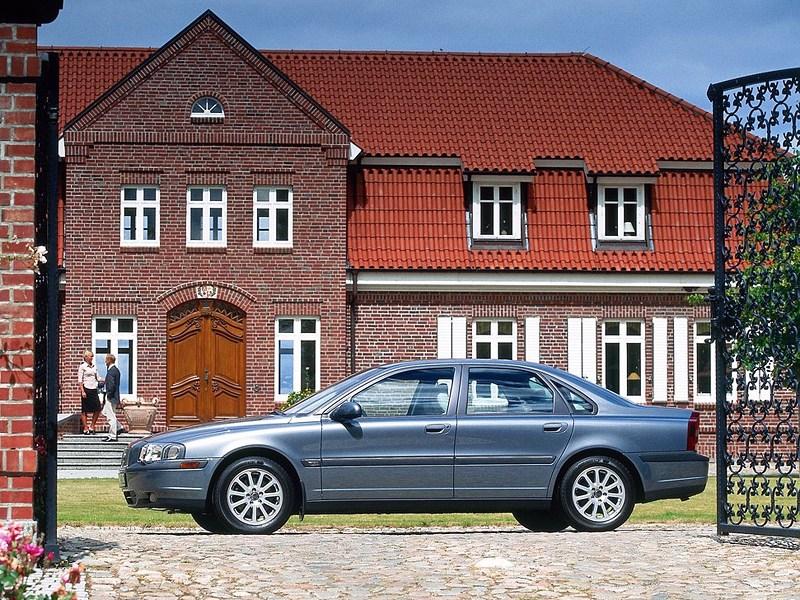 Volvo S80 2000 вид слева