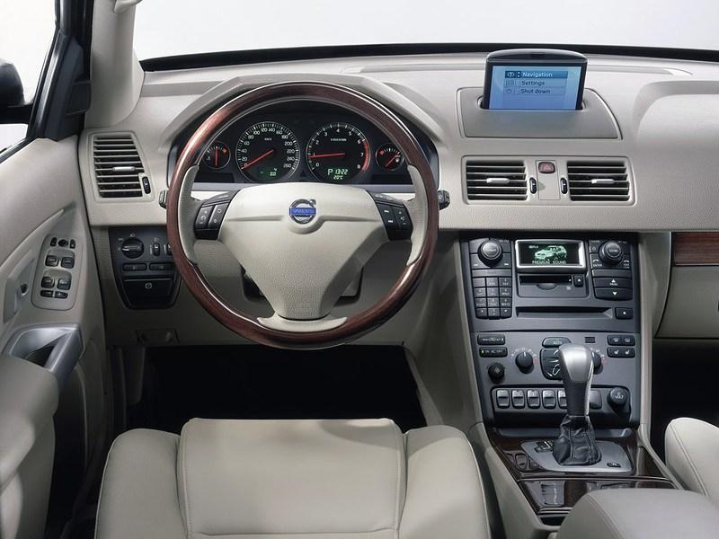 Volvo XC90 2002 рабочее место водителя