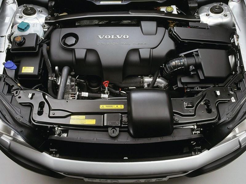Volvo XC90 2002 подкапотное пространство