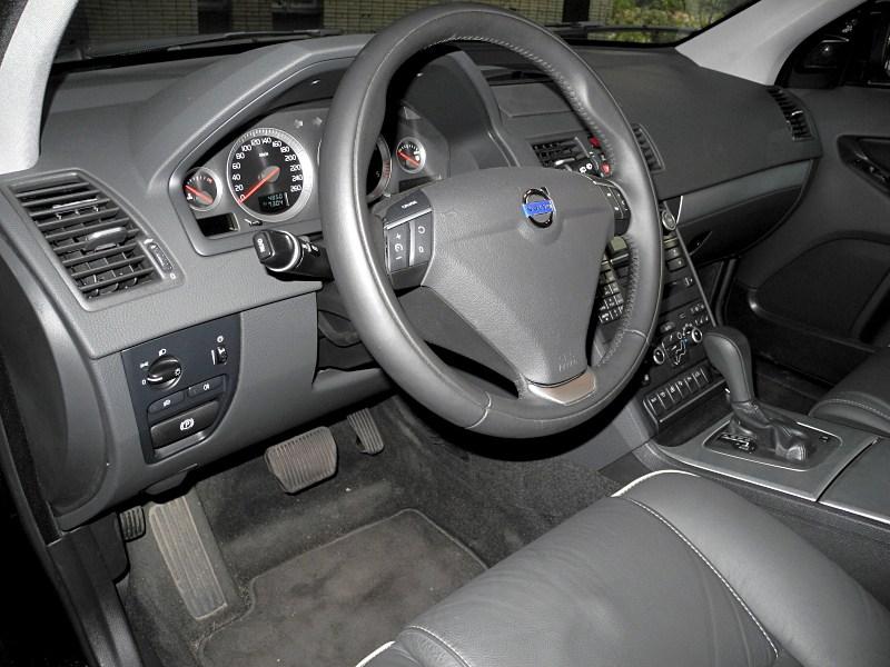 Volvo XC90 2012 водительское место