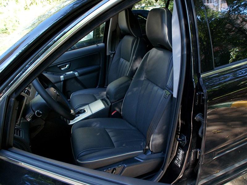 Volvo XC90 2012 передние сидения