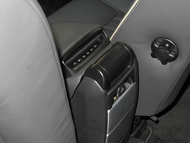 Volvo XC90 2012 DVD-плеер
