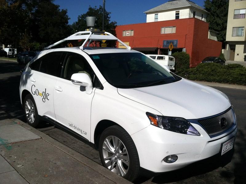 Google набирает добровольцев для тестирования своих «беспилотников»