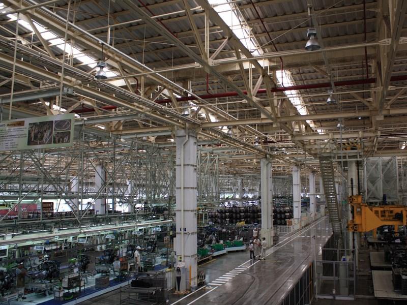 Toyota приостанавливает производство из-за тайфуна
