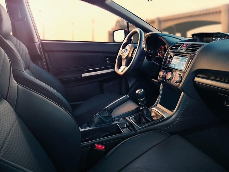 Subaru WRX 2015 передние кресла