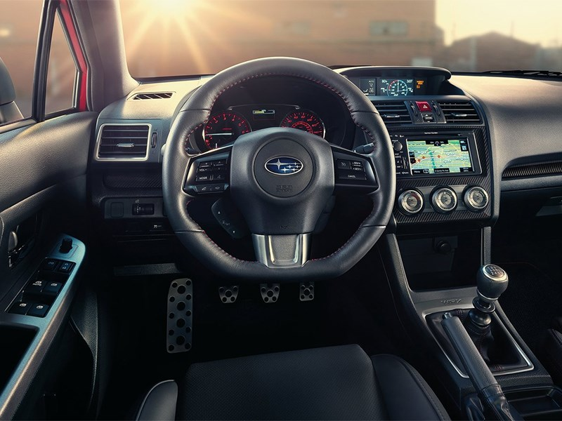 Subaru WRX 2015 водительское место